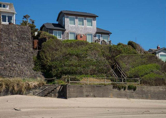 Enjoy this Oceanfront Beauty with Private Beach Access! - Image 1 - Lincoln City - rentals
