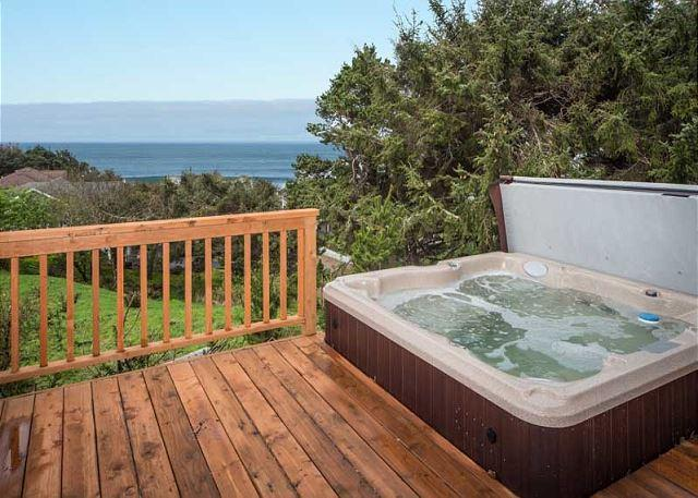 Relax at the beach from the oceanview hot tub - Image 1 - Lincoln City - rentals