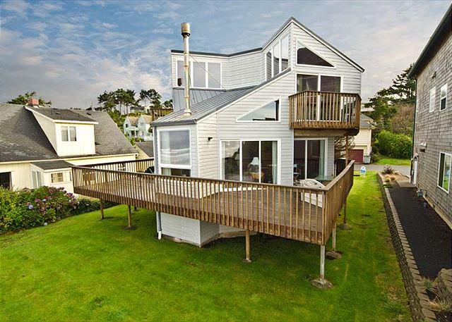 Unique Oceanfront with Close Beach Access - Image 1 - Lincoln City - rentals