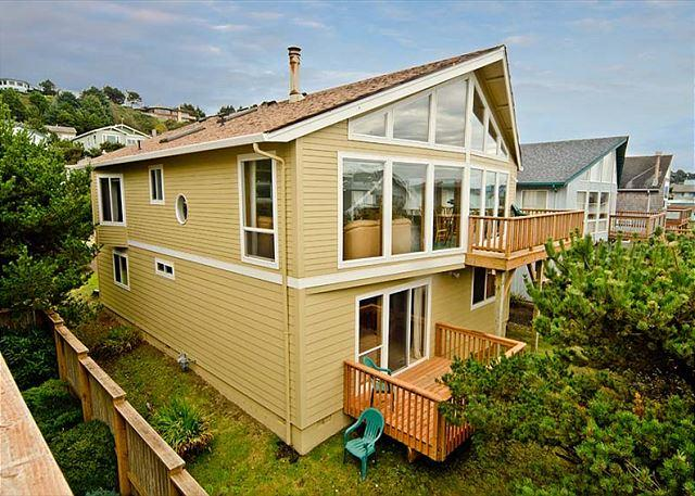 Spacious Ocean View Home. Perfect For Families - Image 1 - Lincoln City - rentals