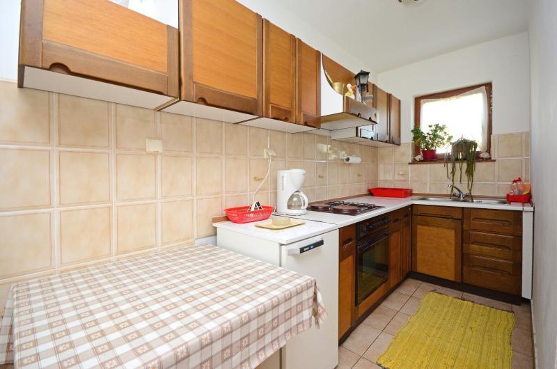 Apartment Željko - 61001-A1 - Image 1 - Njivice - rentals