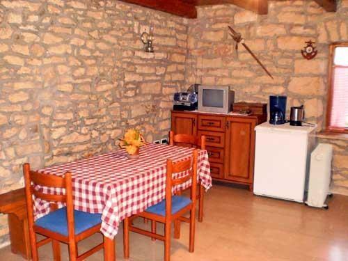 House Ivica - 70281-K1 - Image 1 - Rakalj - rentals