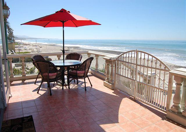 Beachfront Patio off of Living Room - Large Family Beach House- sleeps 12, 4 Bed+Loft / 3 bath  (083) - Dana Point - rentals