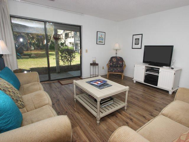 Living area - Courtside Villas, 16 - Hilton Head - rentals