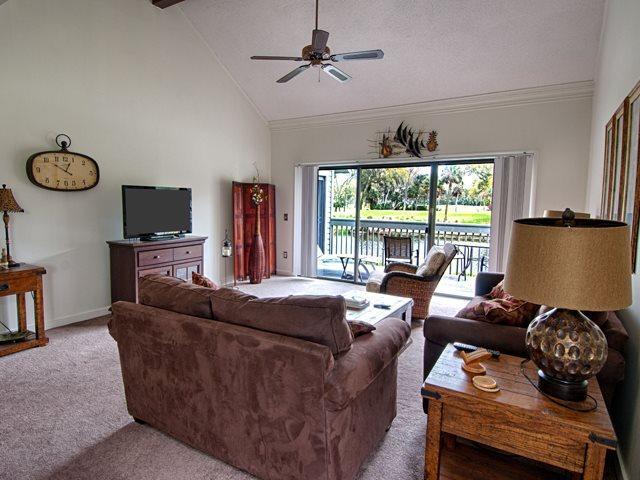 Living area - Inverness, 998 - Hilton Head - rentals