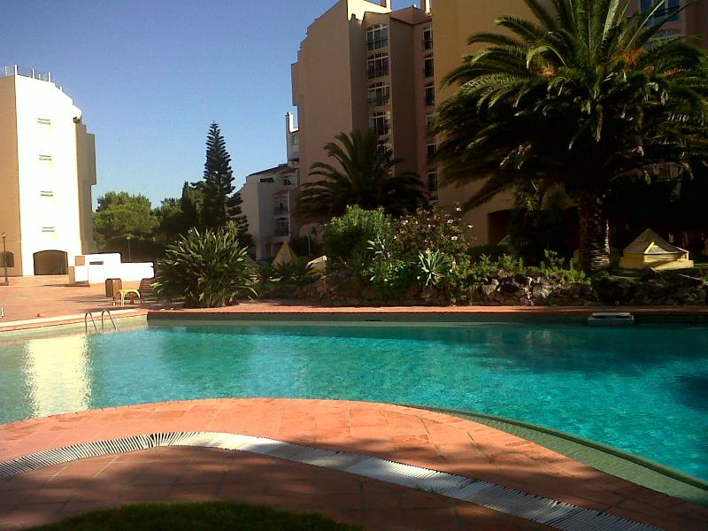 Beautiful condominium close to the beaches - Image 1 - Cascais - rentals