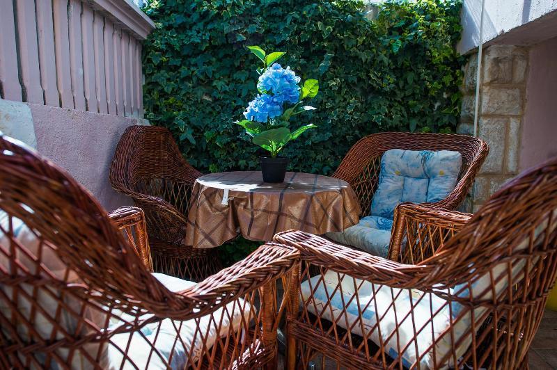 A4(4+1) Superior: balcony - 4916  A4(4+1) Superior - Grebastica - Grebastica - rentals