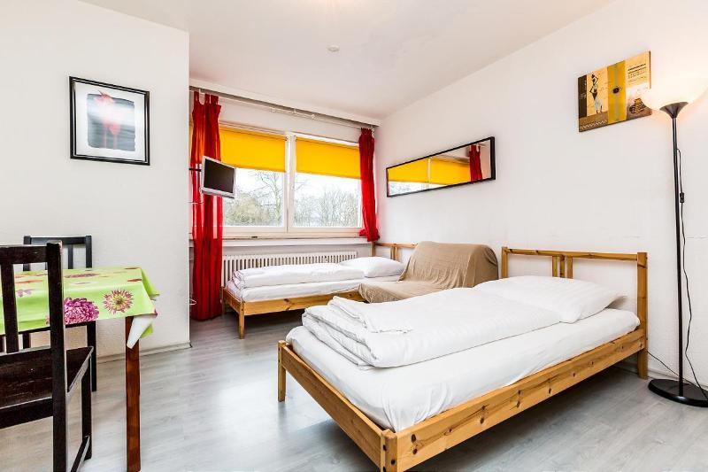 cosy apartment close to trade fair - 01 Easy Apartment Cologne 4 km to the trade fair - Cologne - rentals