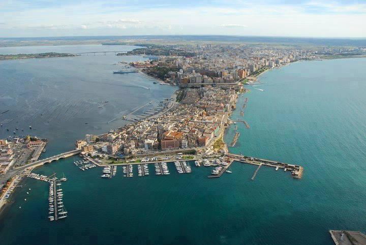 Taranto, the historic centre island with the private harbour and the 2 seas - Sun & Sea apartment in city centre near waterfront - Taranto - rentals