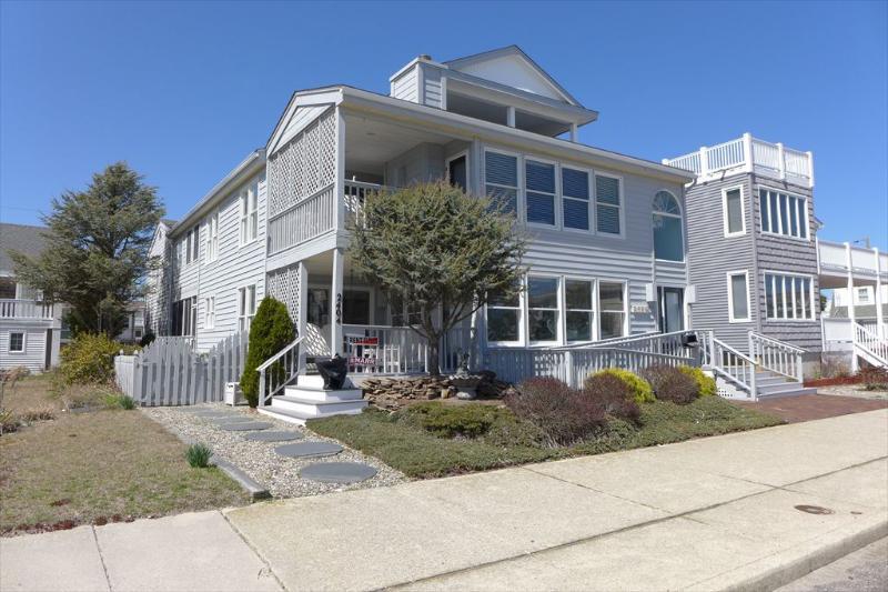 2404 Wesley Avenue A 118237 - Image 1 - Ocean City - rentals