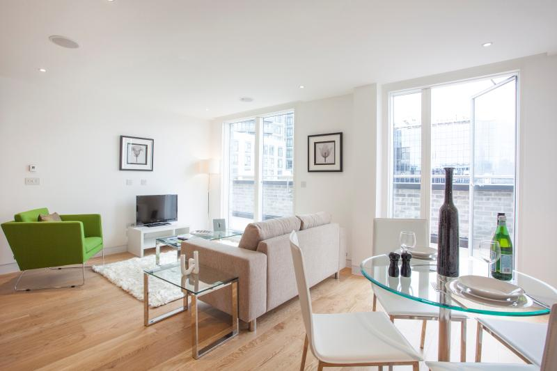 Modern 1 Bed State of Art Old Street MoLi APT - Image 1 - London - rentals