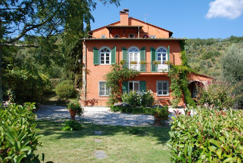 6 bedroom Villa in Lucca, Lucca And Surroundings, Tuscany, Italy : ref 2135452 - Image 1 - San Martino in Freddana - rentals
