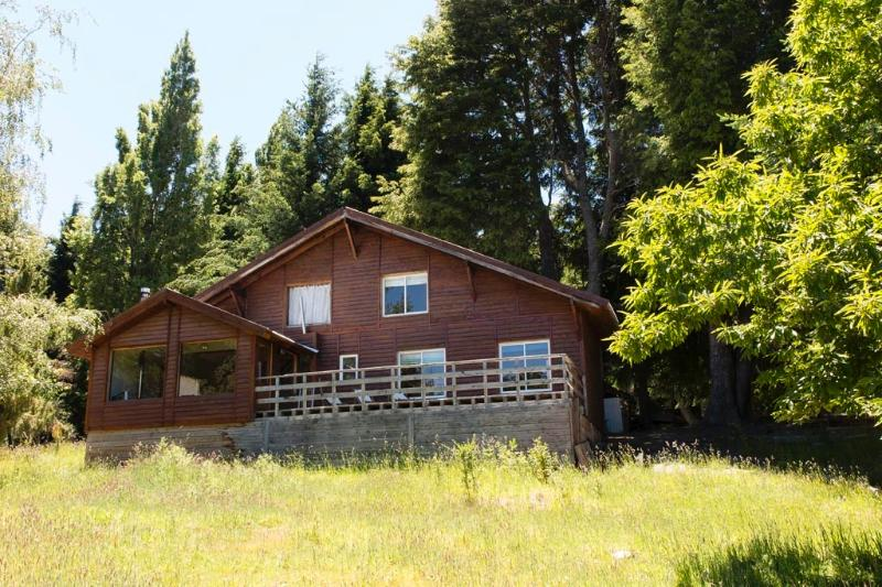 Excellent home in private country - Image 1 - San Carlos de Bariloche - rentals