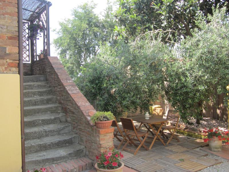 "Stairs - Apartment ""Leonardo""in cortona's country (2bd) - Cortona - rentals"