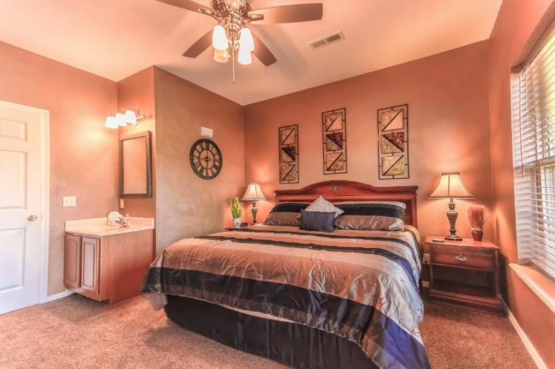 Indoor/Outdoor Pool | Tennis courts | Golf course | Silver Dollar City (012110) - Image 1 - Reeds Spring - rentals