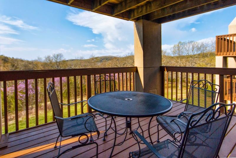 Branson Condo Rental | Eagles Nest | Indian Point | Silver Dollar City | Lake Views (1810604) - Image 1 - Indian Point - rentals