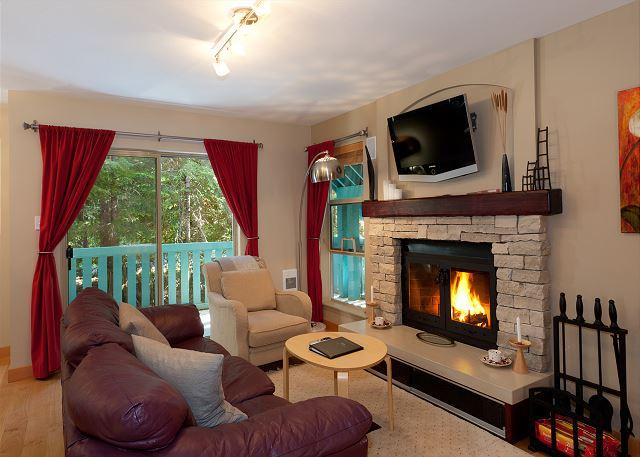 Cozy Living Room with Fireplace and Flat Screen TV - Forest Trails #20 | 2 Bedroom Renovated Townhome On Free Shuttle Route - Whistler - rentals