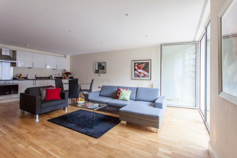Lanterns court 2 Bedroom in Canary Wharf London - Image 1 - London - rentals