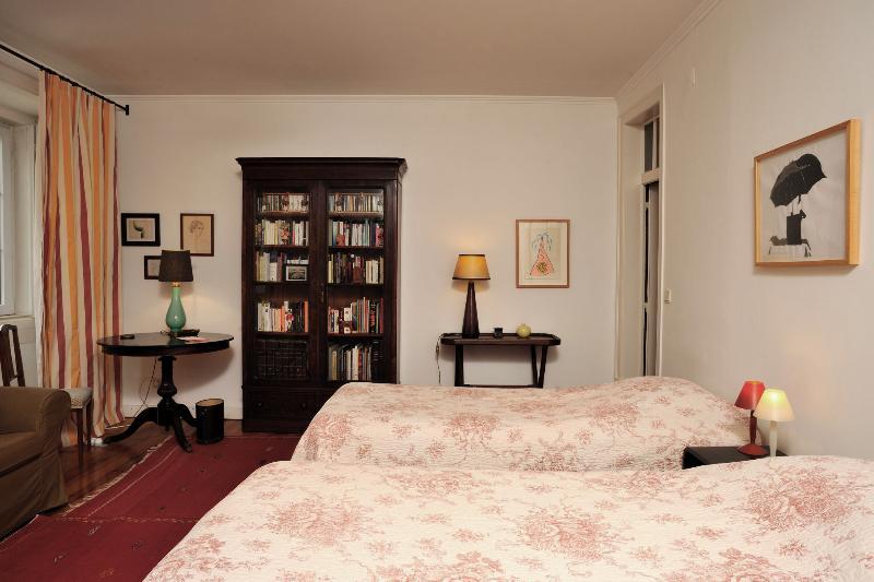 Spacious room for two - Quiet and spacious Bairro Alto - Lisbon - rentals