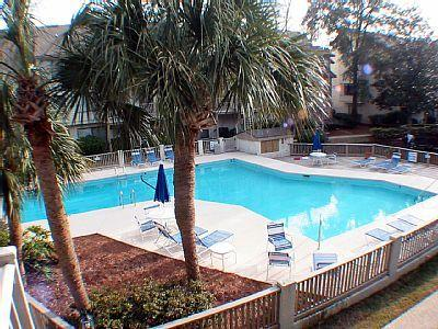 Pool - 5%-10% OFF, UPDATED Courtside 3 Bdrm, Beach & Pool - Hilton Head - rentals
