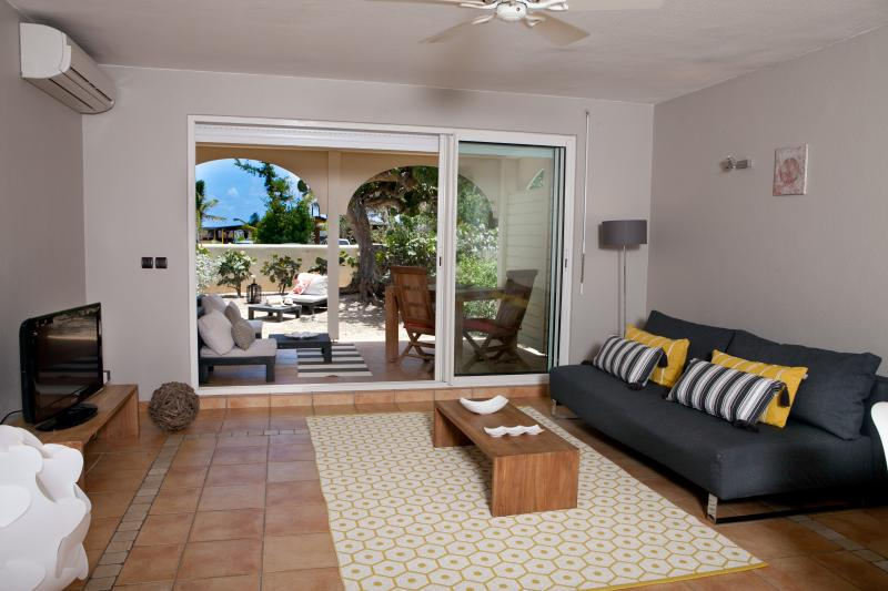 SEA VIEW - STAY 7 NIGHTS SAVE 1 NIGHT - Image 1 - Orient Bay - rentals