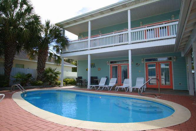 Largo Mar Beach House with Private Pool and Carriage House - Largo Mar, Private Pool, Guest House,Sleeps 16 - Destin - rentals