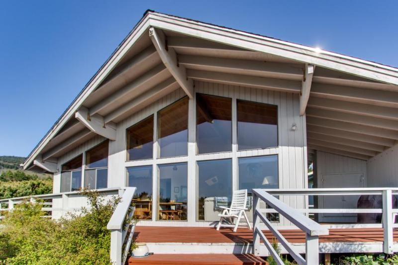 Dog-friendly house with ocean views and a private hot tub! - Image 1 - Oceanside - rentals