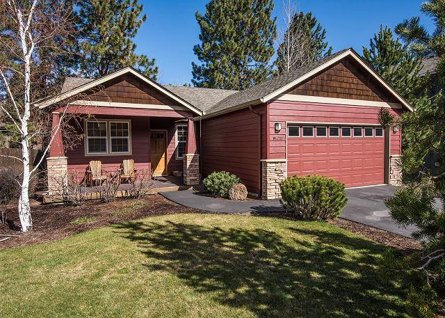 The Red Fox - Lovely Craftsman home accented with Stickley furniture, hardwood floors! - Oretech - rentals