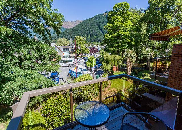 Upstairs balcony - Beautiful contemporary alpine home in the heart of central Queenstown!! - Queenstown - rentals