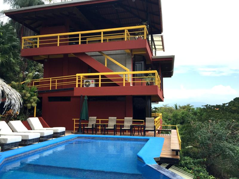 Villa Grande:  four floors of space and a luxurious pool. - DRAMATIC PACIFIC VIEWS. HUGE ESTATE. BE A LOCAL! - Manuel Antonio National Park - rentals