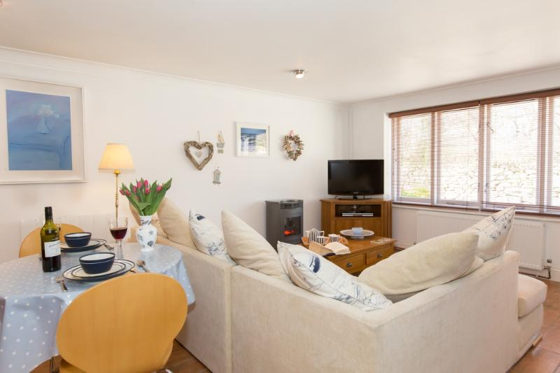 Atlantic Cottage located in Marazion, Cornwall - Image 1 - Penzance - rentals