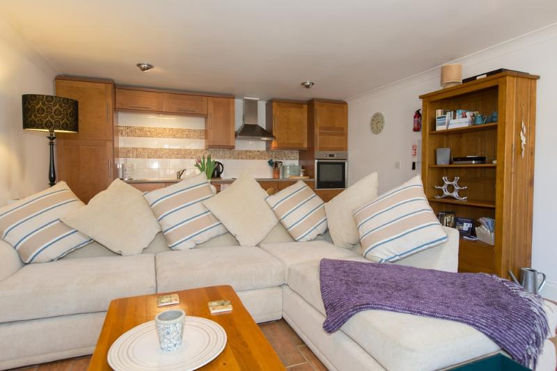 Dune Cottage located in Marazion, Cornwall - Image 1 - Penzance - rentals