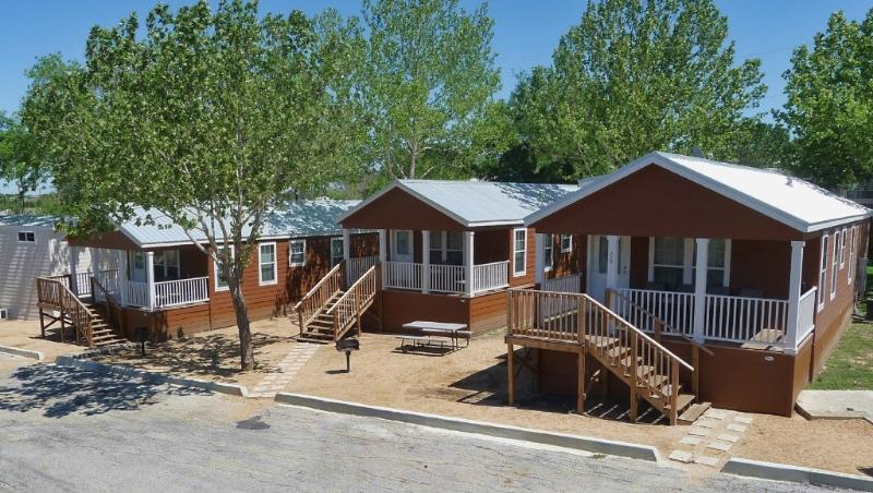 Grouping of 3 adjacent cottages. We have many more to choose from. - 3 Adjacent Cottages, Sleep 24, Near Attractions - New Braunfels - rentals