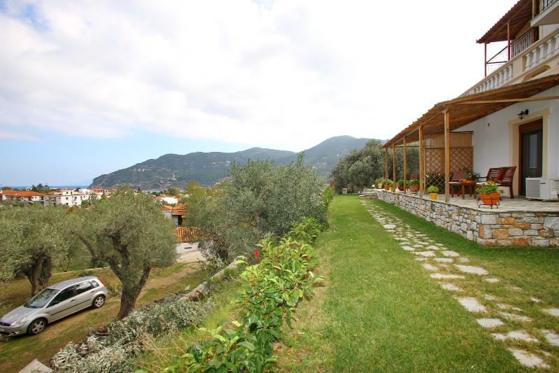 outside area - Remvi Luxury Apartment - Skopelos - rentals