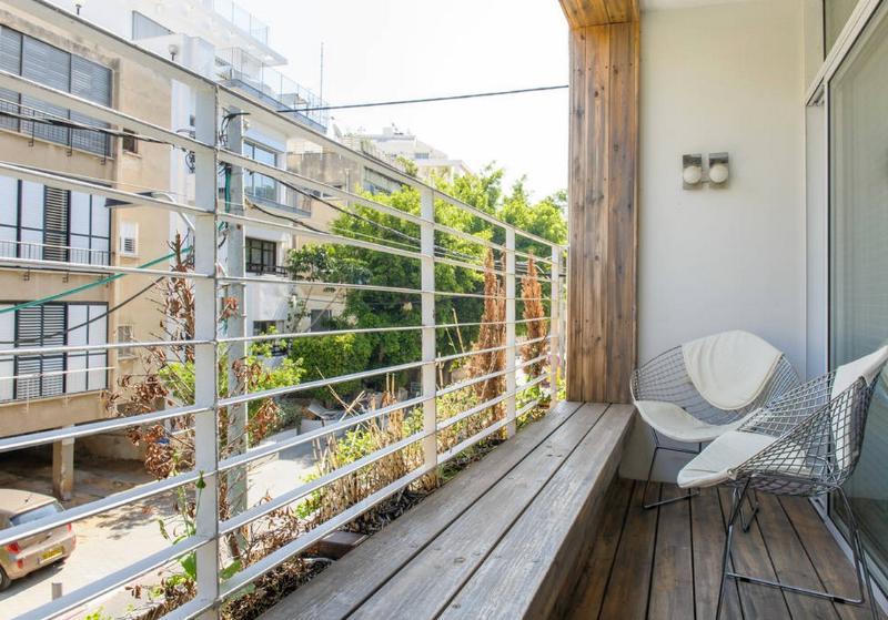 A Fully Renovated Apartment Near the Beach - Image 1 - Tel Aviv - rentals