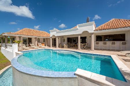 La Bastide - Beautiful villa with pool, comfortable living area & large gourmet kitchen - Image 1 - Terres Basses - rentals