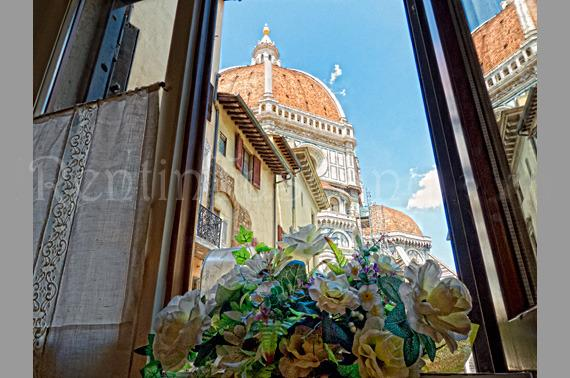 View from the window in Dining Room - Cozy Apartment with a Unique View of the Duomo - Florence - rentals