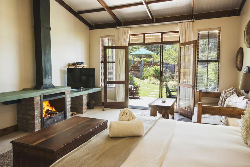 family suite with built in fireplace - A Hilltop Country Retreat self-catering Swellendam - Swellendam - rentals