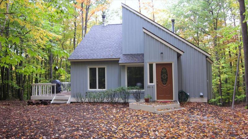 Property 32761 - Harbor Springs 2 Bedroom/2 Bathroom House (Ridge Loft 32761) - Harbor Springs - rentals