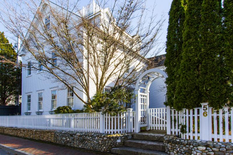 Street Side of House - VERDM - STUNNING VILLAGE ESTATE IN CLASSIC EDGARTOWN STYLE, LUXURY HOME WITH - Chappaquiddick - rentals