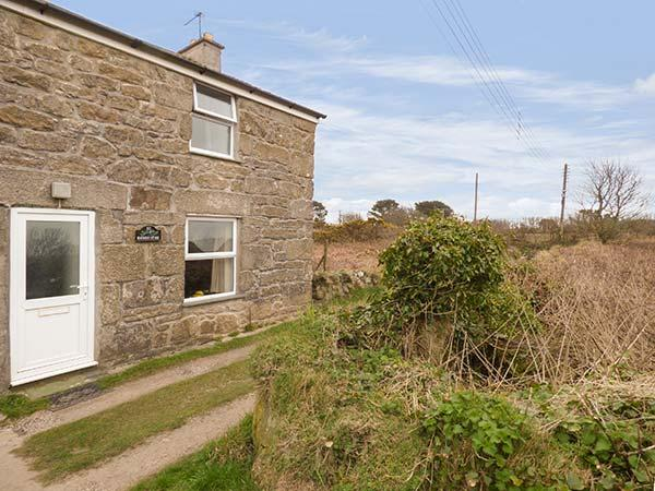 BLACKBERRY COTTAGE, traditional, beams, shared garden, parking near Saint Ives, Ref. 20667 - Image 1 - Saint Ives - rentals