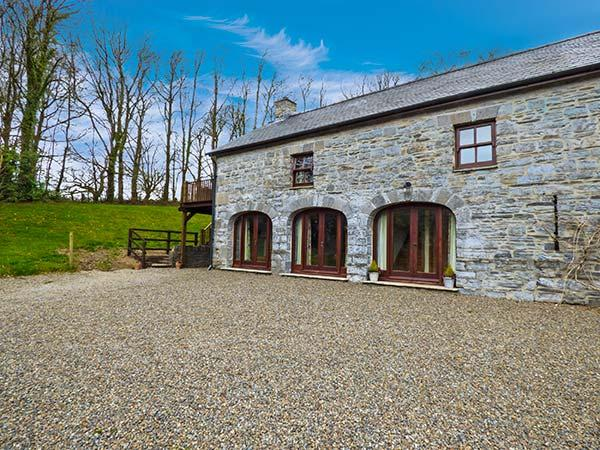 THE COACH HOUSE, stone barn conversion, woodburner, off road parking, garden, in Narberth, Ref 29649 - Image 1 - Narberth - rentals