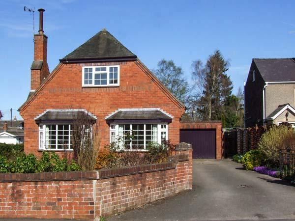 HARRIS HOUSE, comfy cottage near amenities, WiFi, garden, parking, in Ludlow, Ref 921988 - Image 1 - Ludlow - rentals