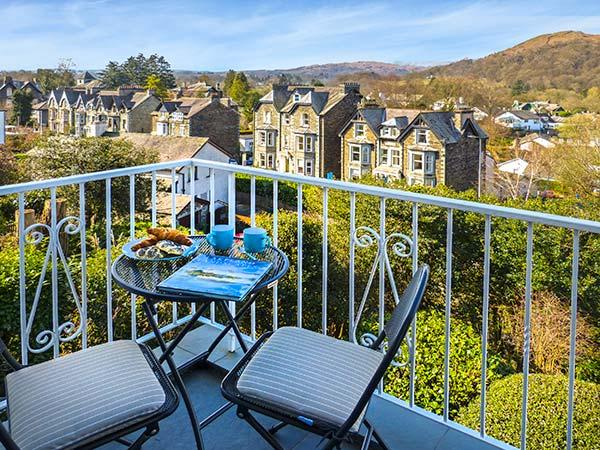 TODD CRAG, beautiful views, WiFi, off road parking, apartment in Ambleside, Ref. 922398 - Image 1 - Ambleside - rentals