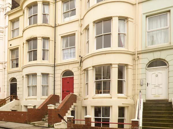 COAST VIEW, ground floor flat, short walk to seafront, near North York Moors National Park, in Scarborough, Ref 923630 - Image 1 - Scarborough - rentals