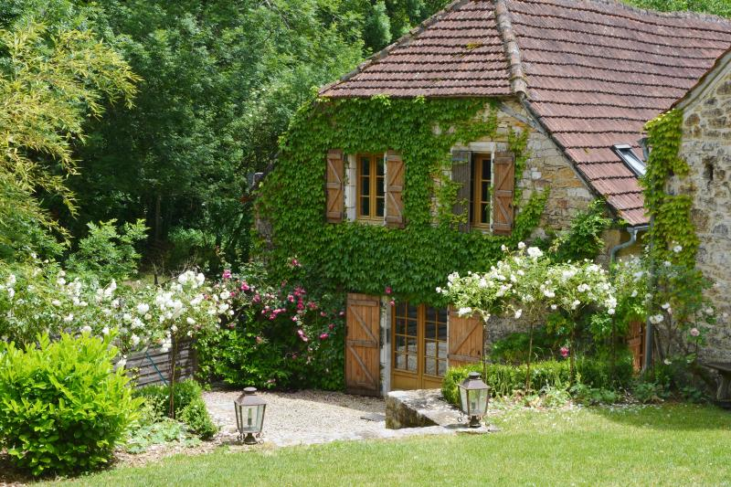 """Charming Stone Barn """"Rouge""""  2 bedrooms -120 sq.m - Image 1 - Cazillac - rentals"""