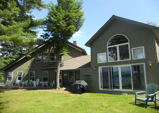 Exterior View - North Wing at Oliver's Lodge on Lake Winnipesaukee (1NWING) - Meredith - rentals
