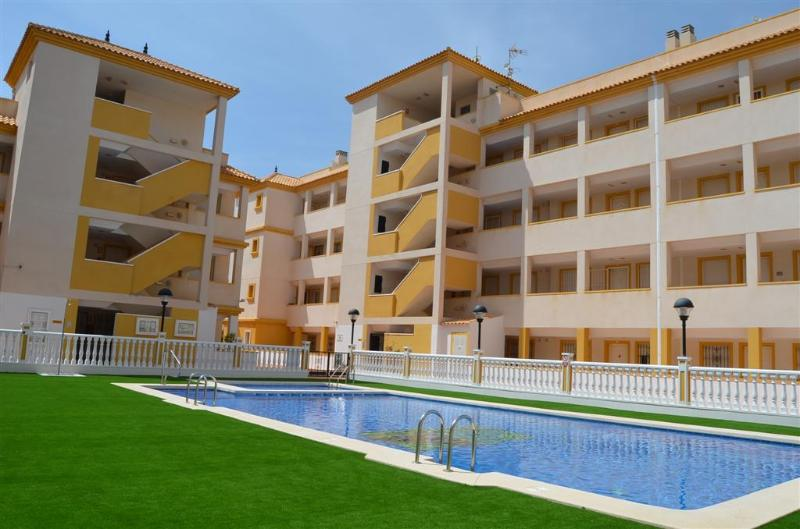 2 Bedroom Apartment - Pool - Free WiFi - Short Walk to Beach - 7405 - Image 1 - Mar de Cristal - rentals