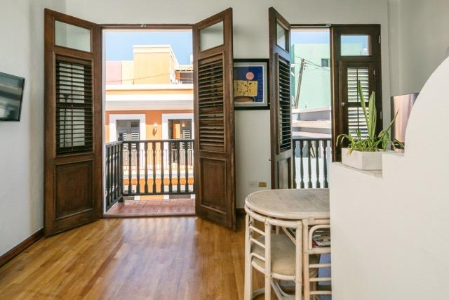 Two fabulous balconies - Los Balcones : a cozy one bedroom on Sol Street - San Juan - rentals
