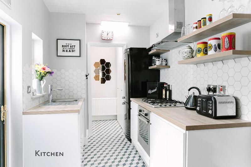 Kitchen - City Pad; Sleeps 6/7. City 10 Mins by Tram - Dublin - rentals